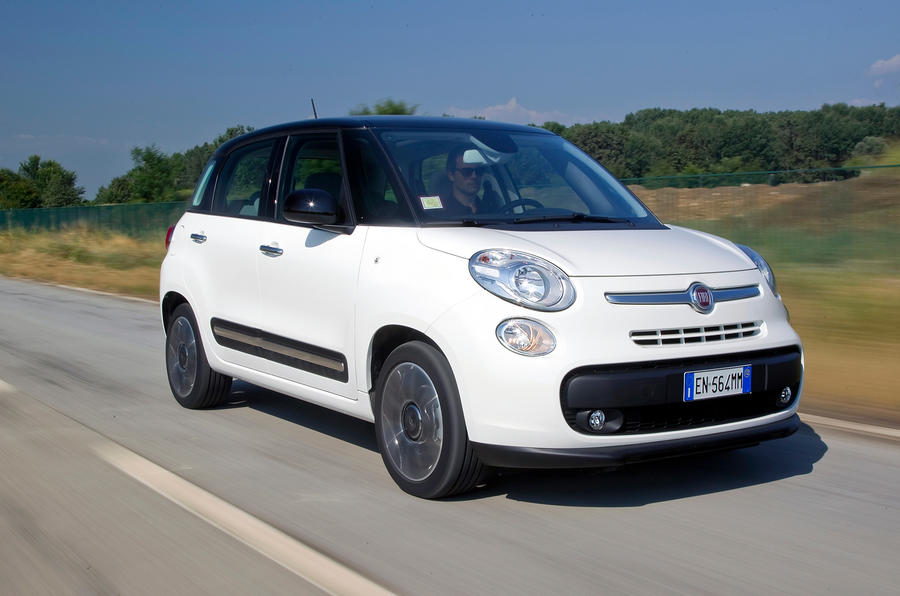 fiat 500xl revealed in factory spy shot autocar. Black Bedroom Furniture Sets. Home Design Ideas