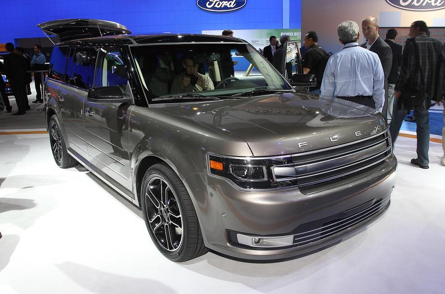 LA motor show: Ford Flex revealed