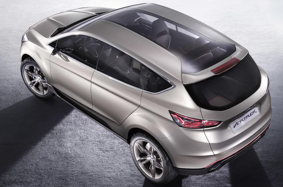 New Ford Kuga - spy pics