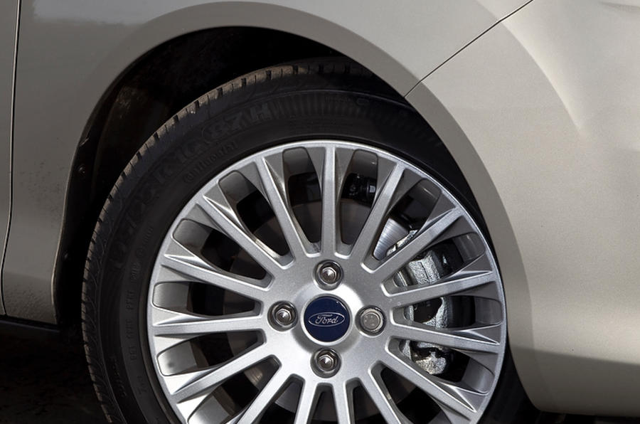16in Ford B-Max alloy wheels