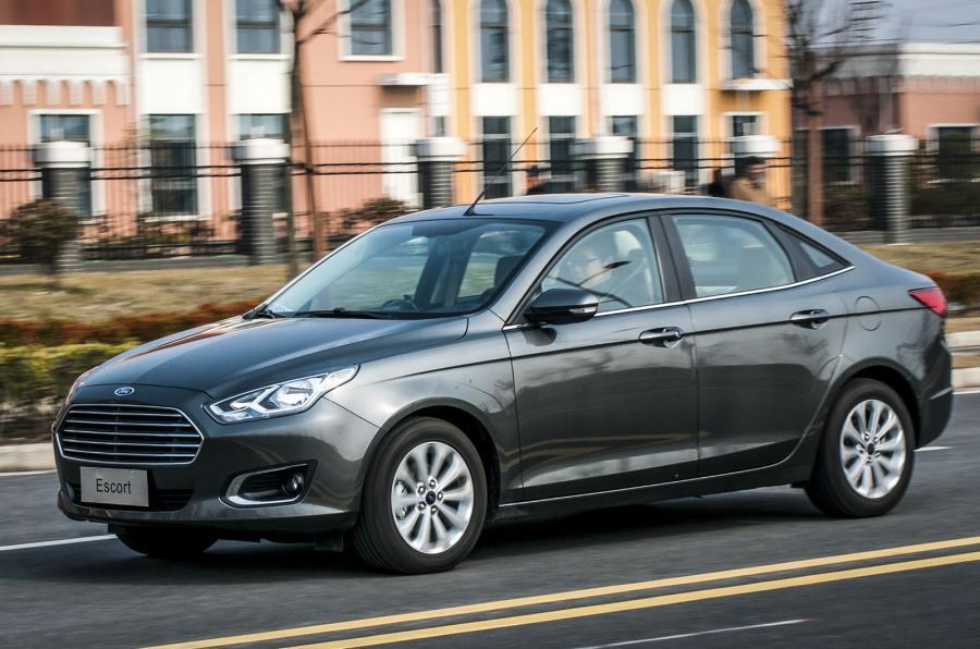 Ford Escort front quarter