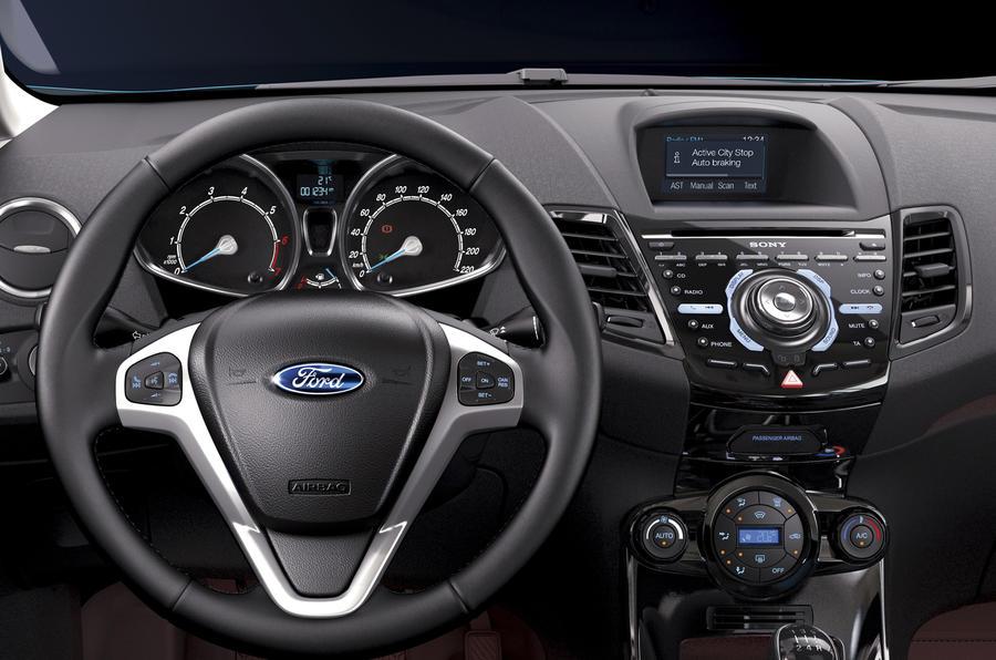 Ford Fiesta Titanium dashboard