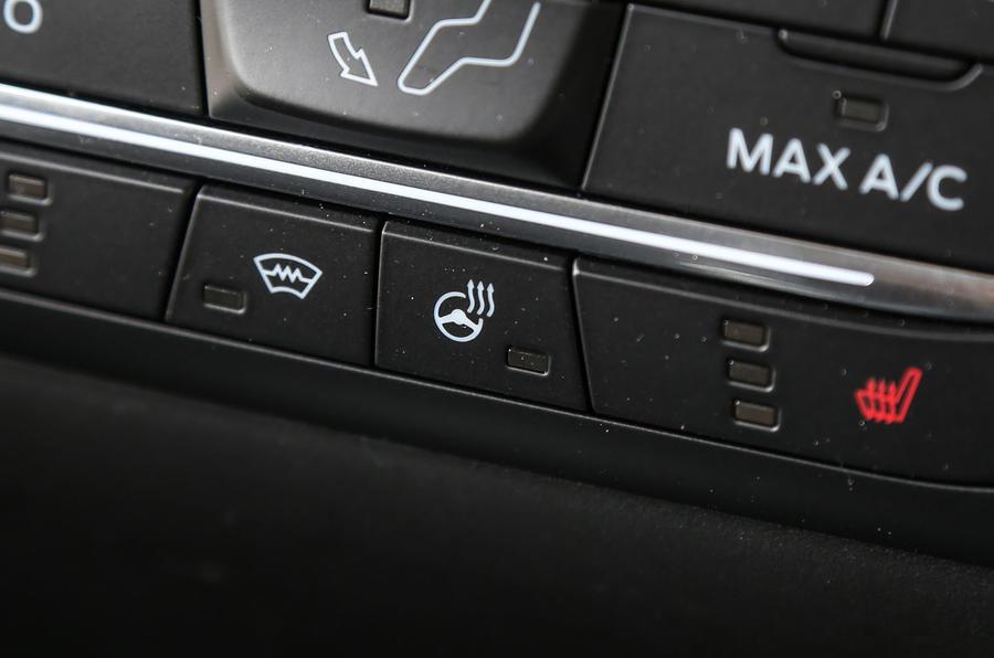 Ford Fiesta heated steering wheel controls