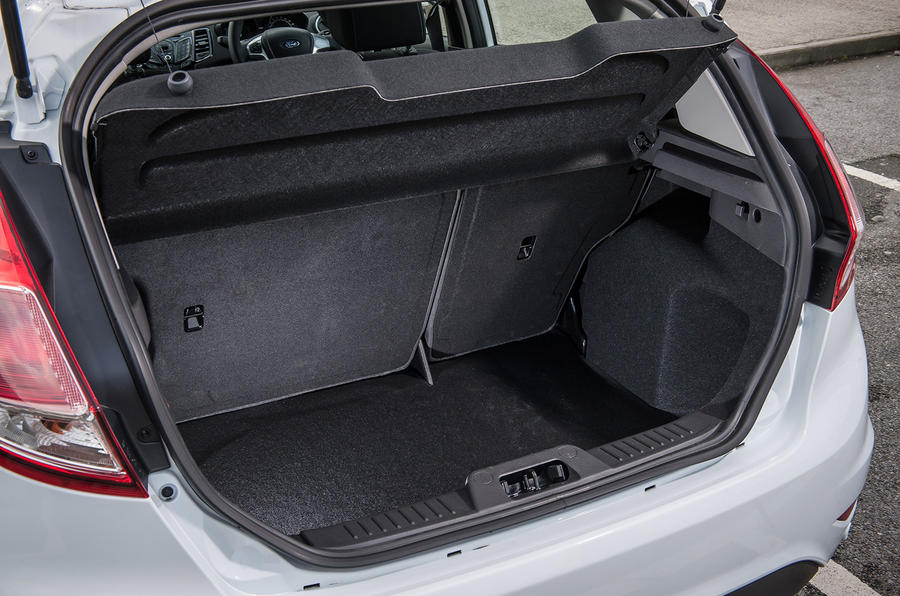 Ford Fiesta 1.0 Zetec boot space