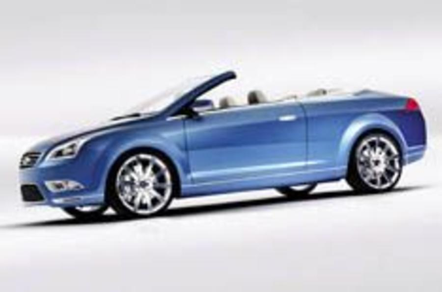 Coupe-cabriolet Focus on the way