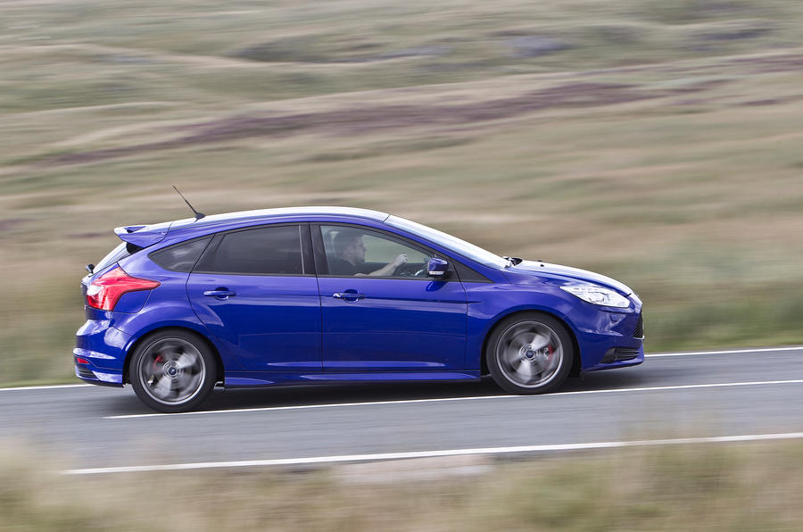 Ford Focus ST side profile