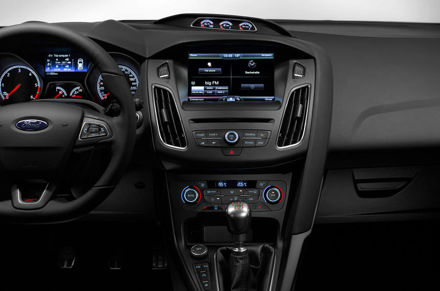 ... Ford Focus ST Sync2 Infotainment System ...