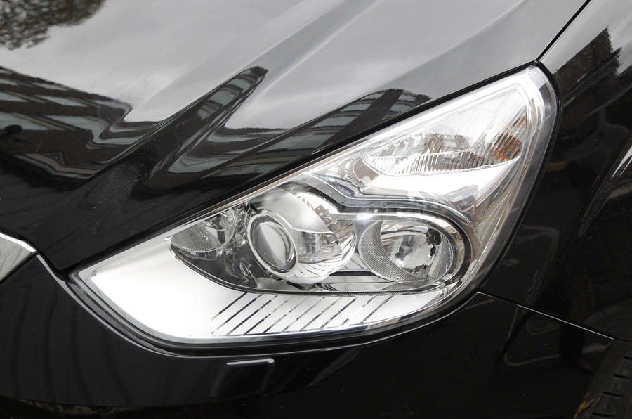 Ford Galaxy headlight