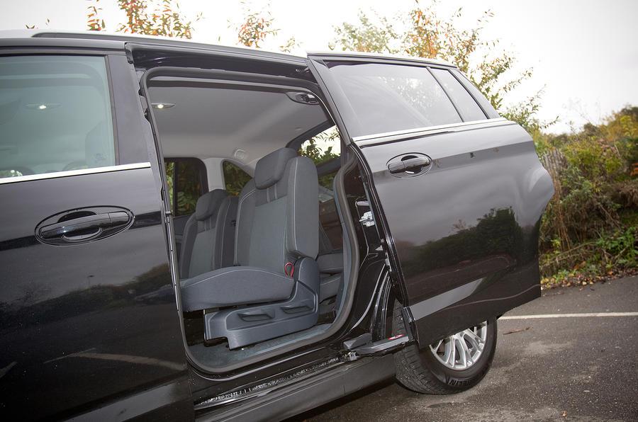 Ford Grand C-Max sliding door