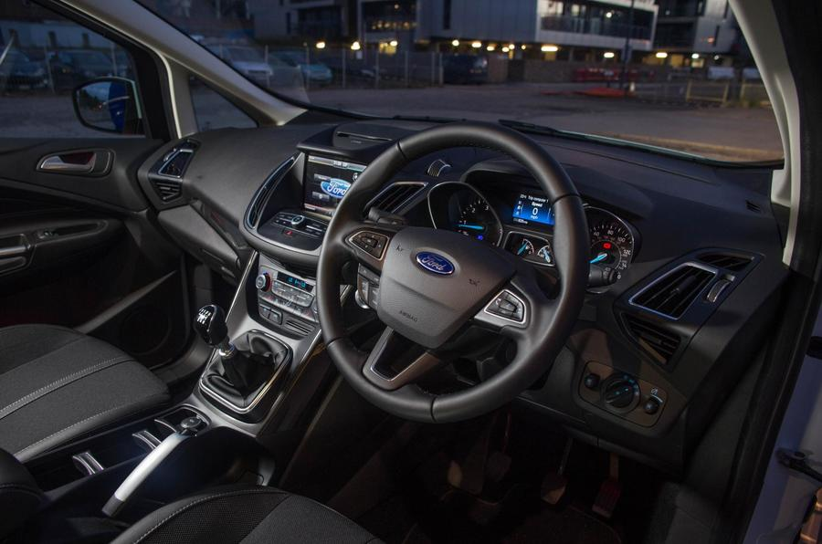 Ford Grand C-Max dashboard