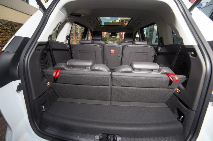 Ford Grand C-Max boot space