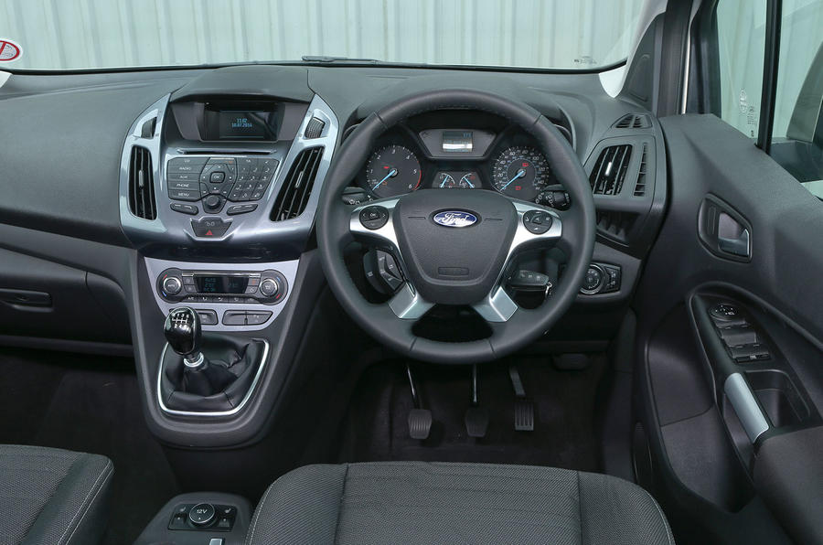 Ford Grand Tourneo Connect dashboard