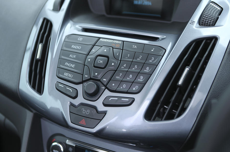 Grand Tourneo Connect infotainment controls