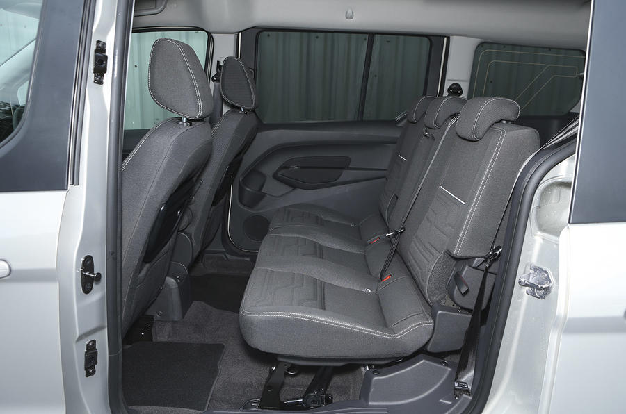Grand Tourneo Connect middle seats