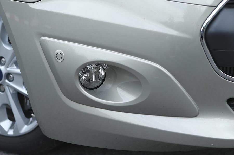 Ford Grand Tourneo Connect foglight