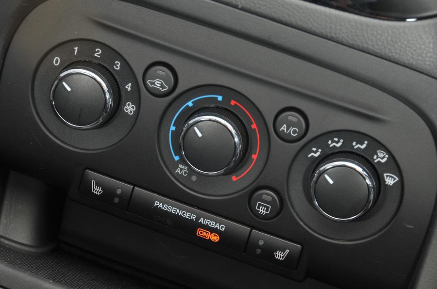 Ford Ka+ climate controls