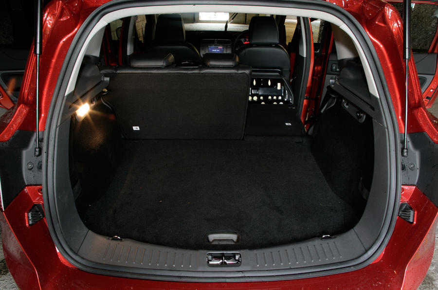 Ford Kuga boot space