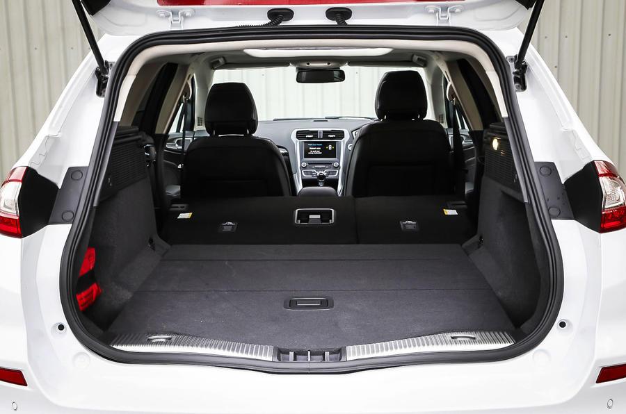 Ford Mondeo seat flexibility