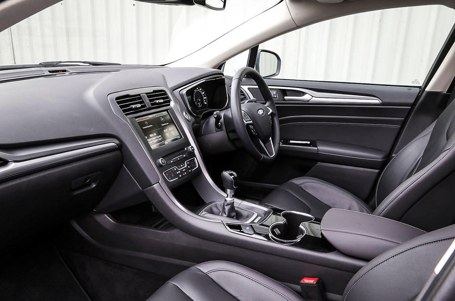 Ford mondeo interior autocar for Interior ford mondeo