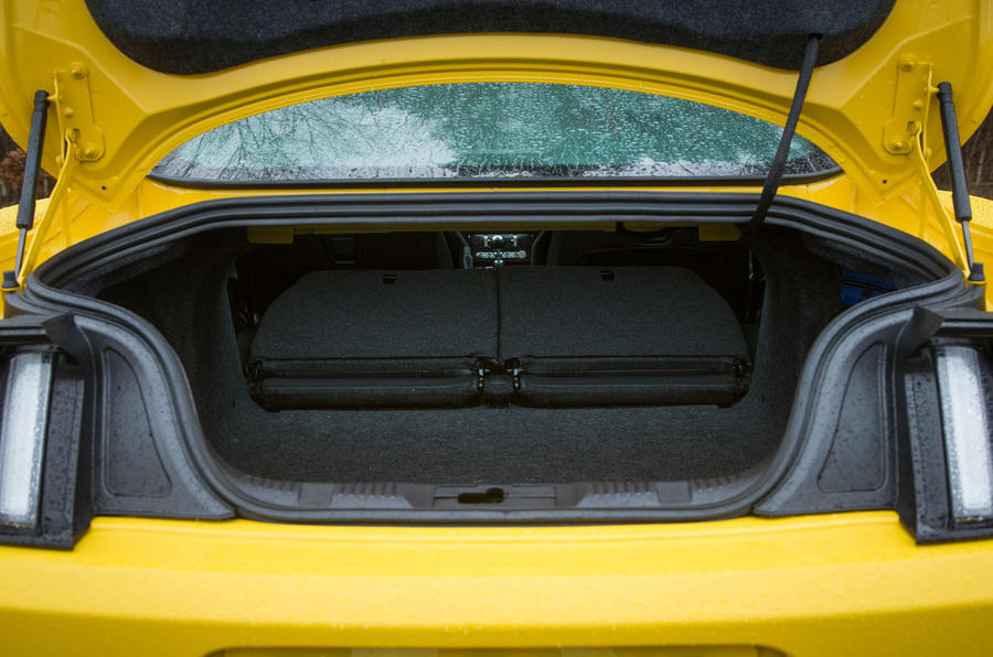Ford Mustang boot space
