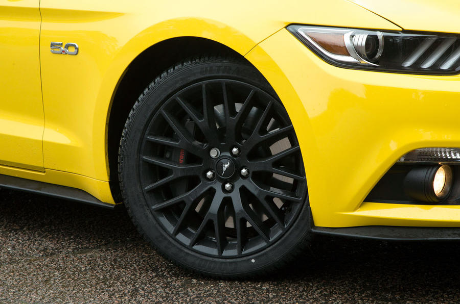 20in Ford Mustang black alloy wheels