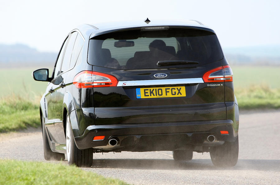 Ford S-Max rear cornering
