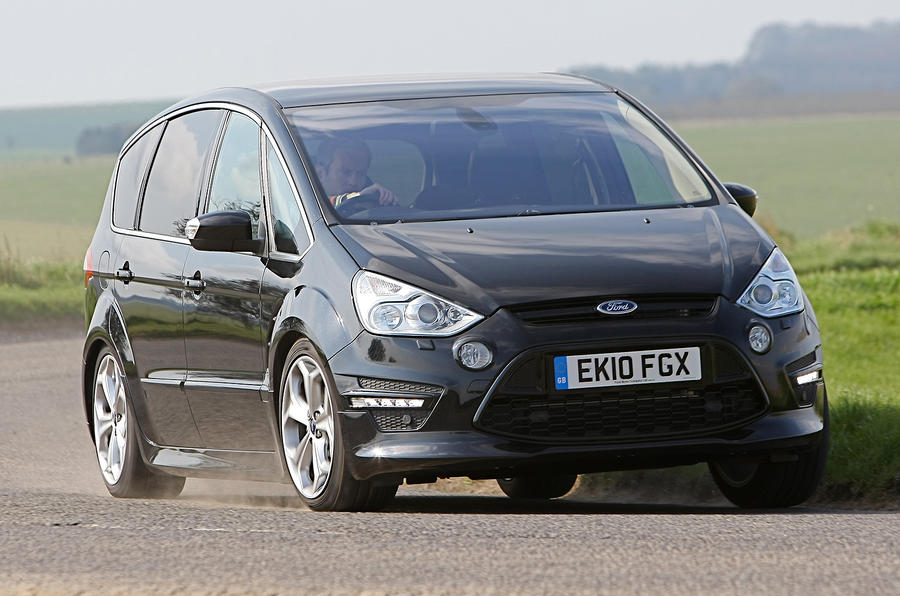 Ford S-Max cornering