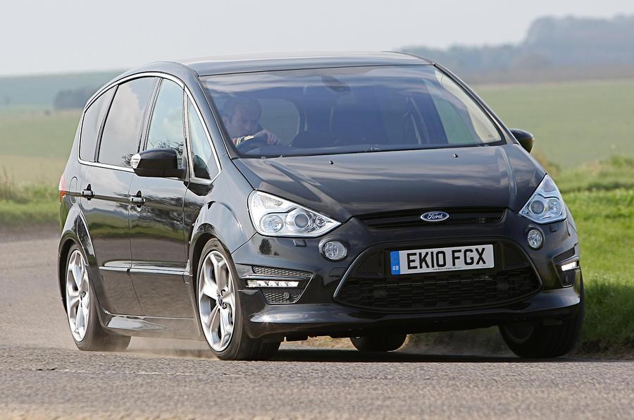 Ford S-Max cornering