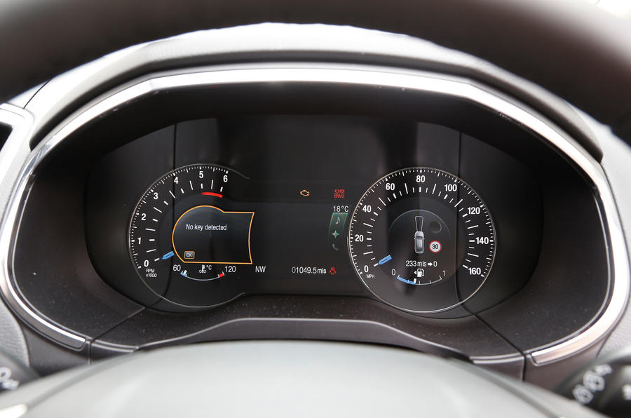 Ford S-Max instrument cluster