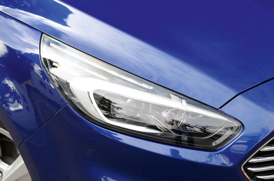 Ford S-Max LED day-running-lights