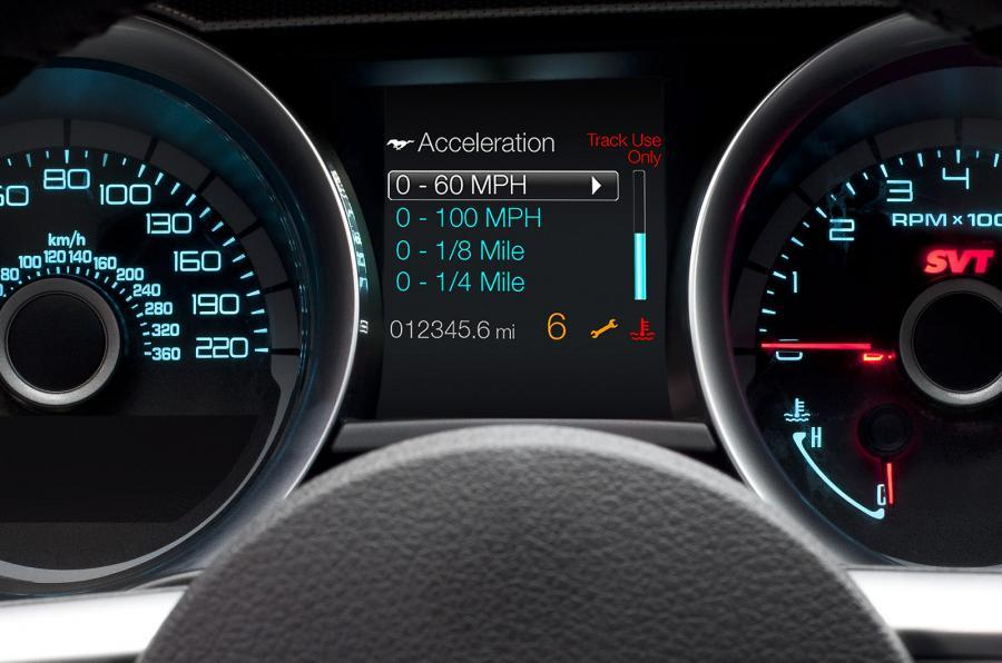 Mustang Shelby GT500 instrument cluster