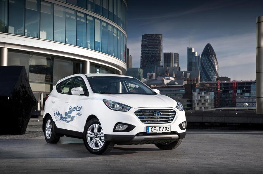 Quick news: Suzuki SX4 S-Cross pricing, Hyundai ix35 Fuel Cell trials, UK car an