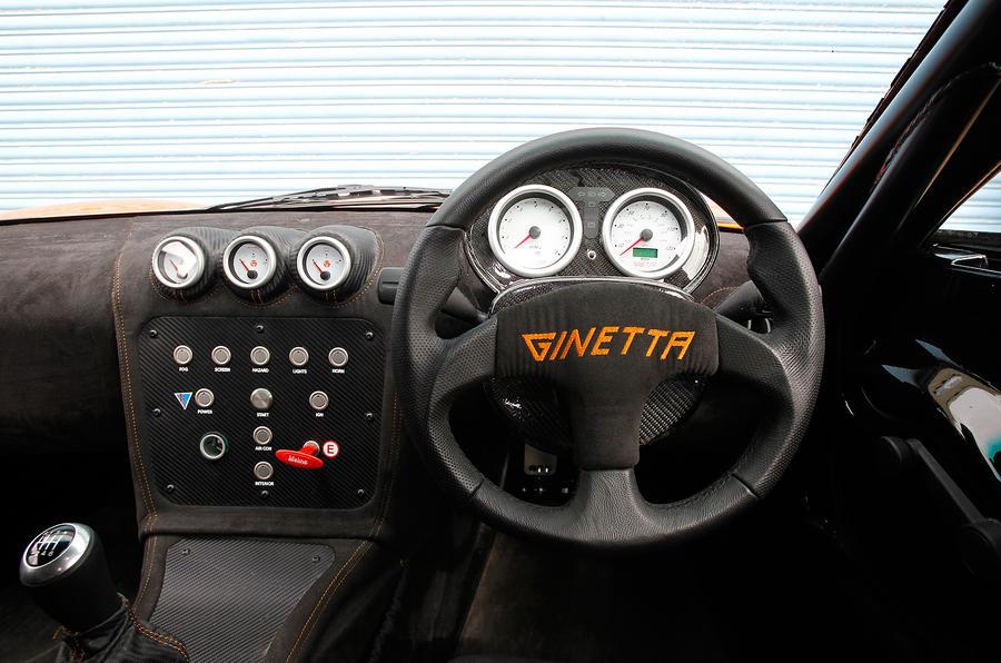 Ginetta G40 dashboard