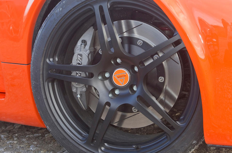 Ginetta G60 black alloy wheels