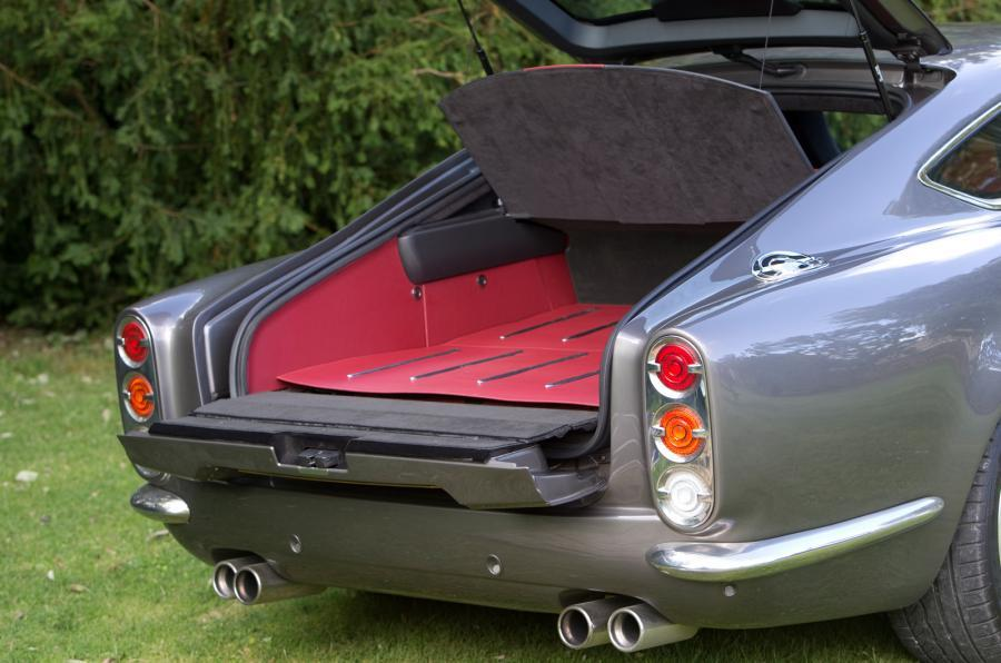 DB Speedback GT boot space