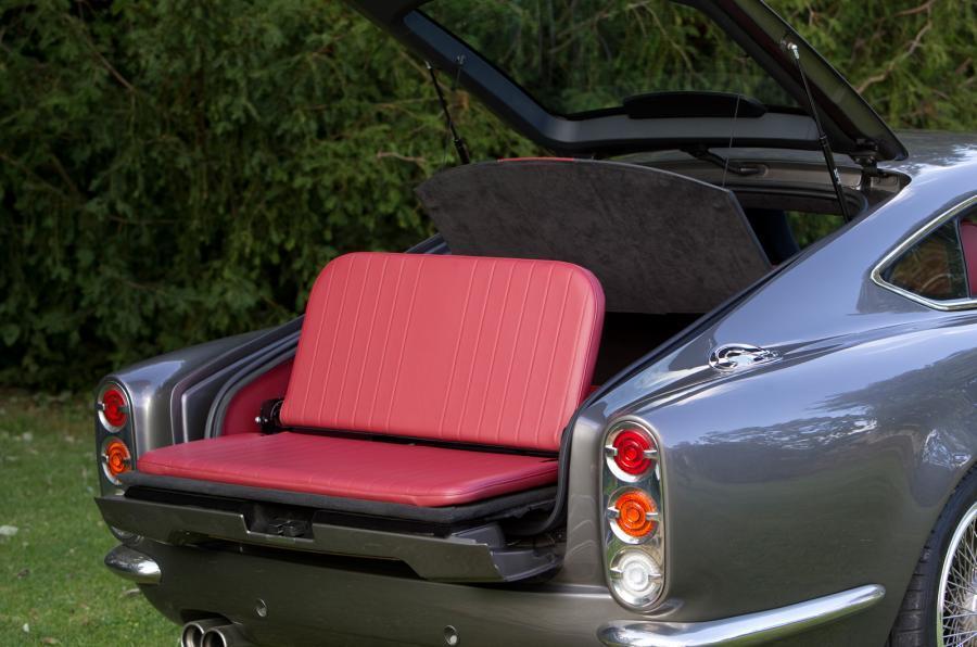 Speedback GT folding seat