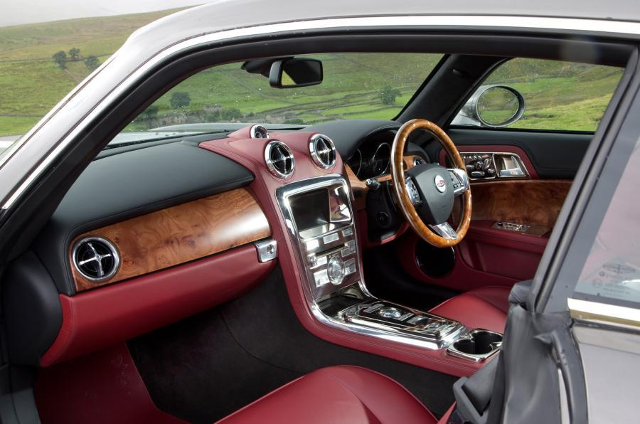 DB Speedback GT front seats