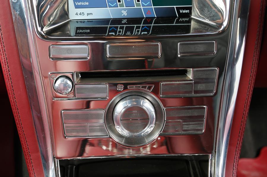 DB Speedback GT centre console