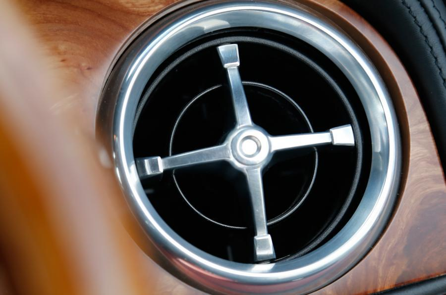 DB Speedback GT air vent