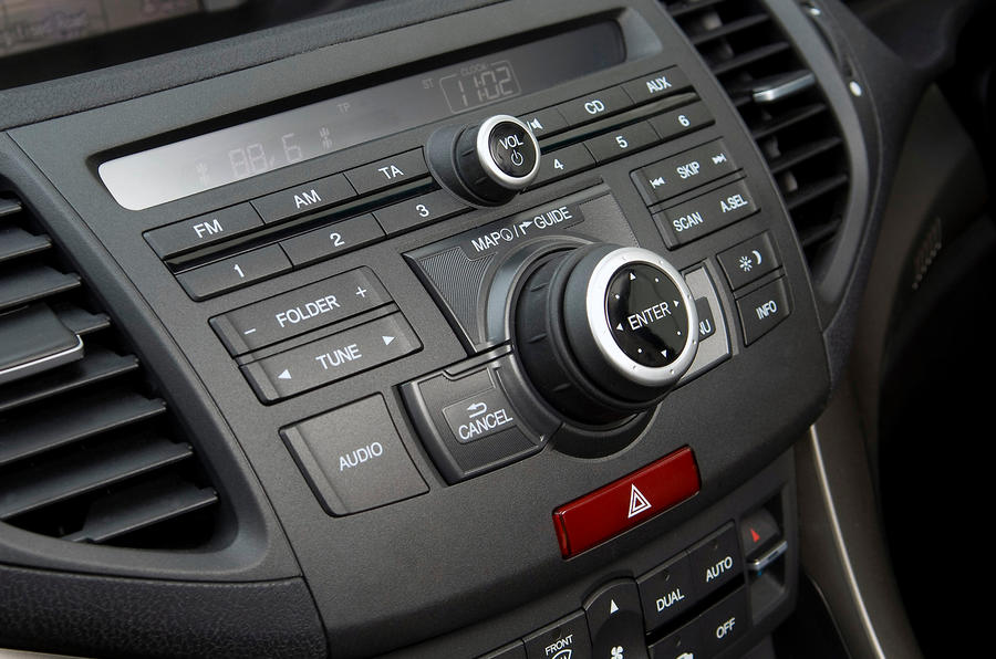 Honda Accord audio controls