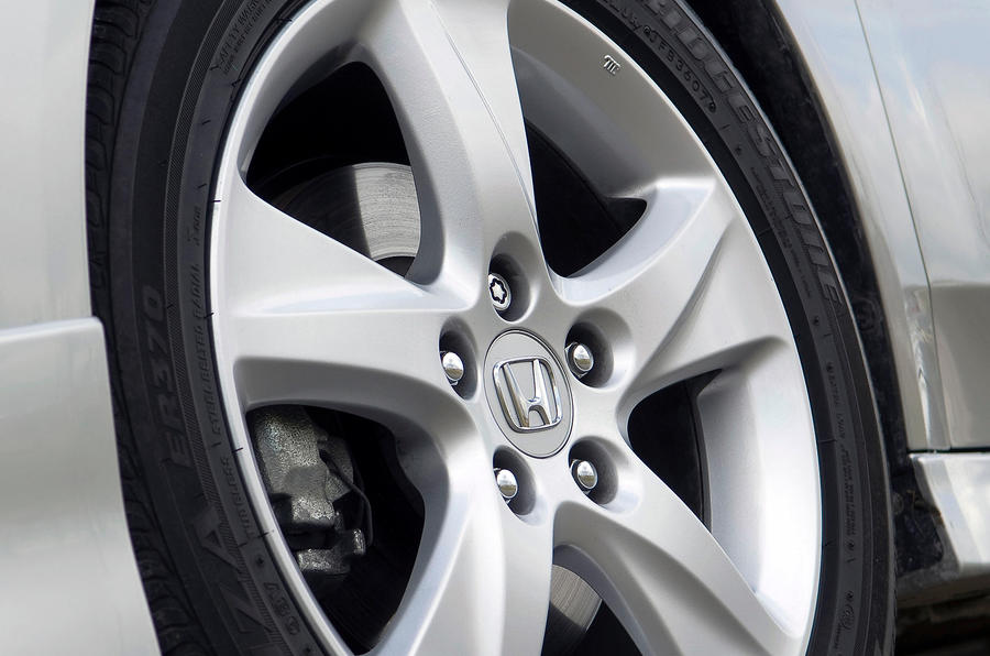 Honda Accord 17in alloy wheels