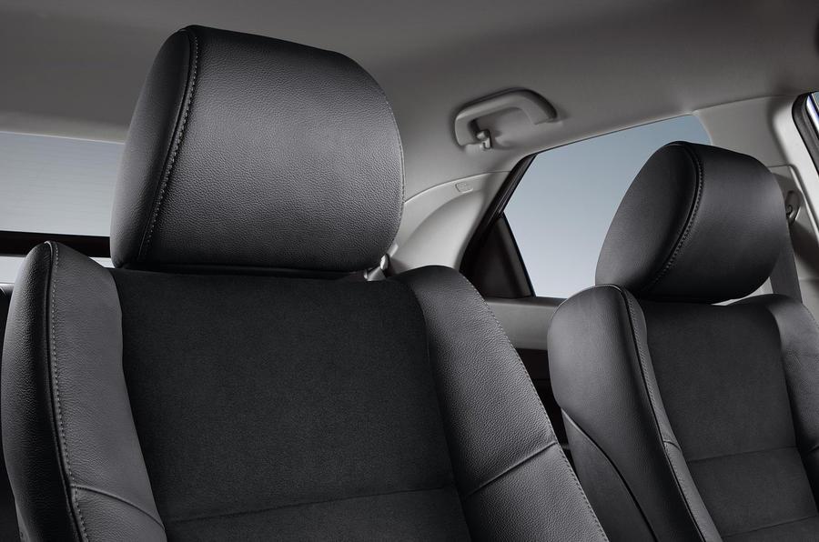 Honda facelifts Civic range