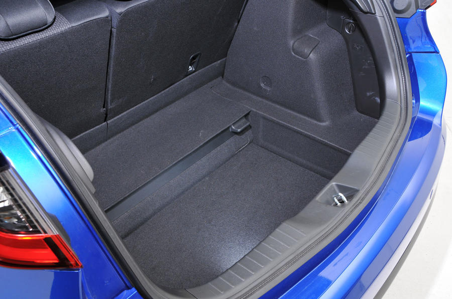 Honda Civic underfloor storage