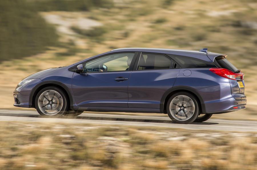 Honda Civic Tourer side profile