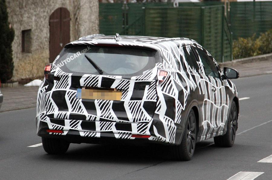 New Honda Civic estate spotted