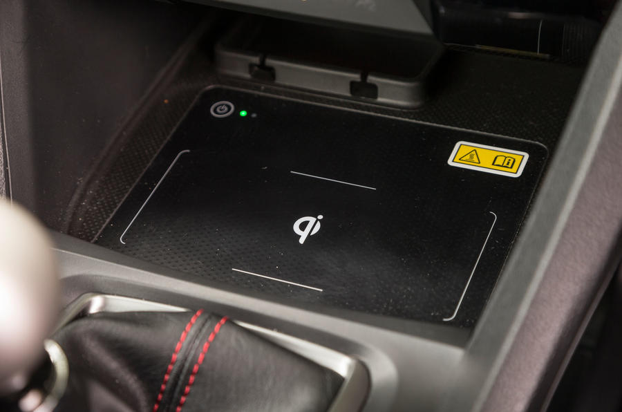 Honda Civic Type R wireless charging pad