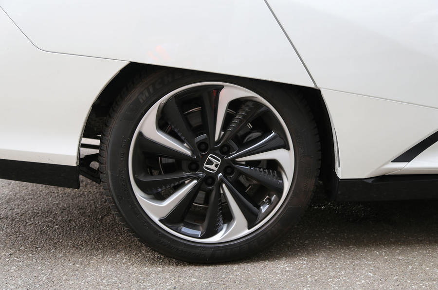 Honda Clarity FCV alloy wheels