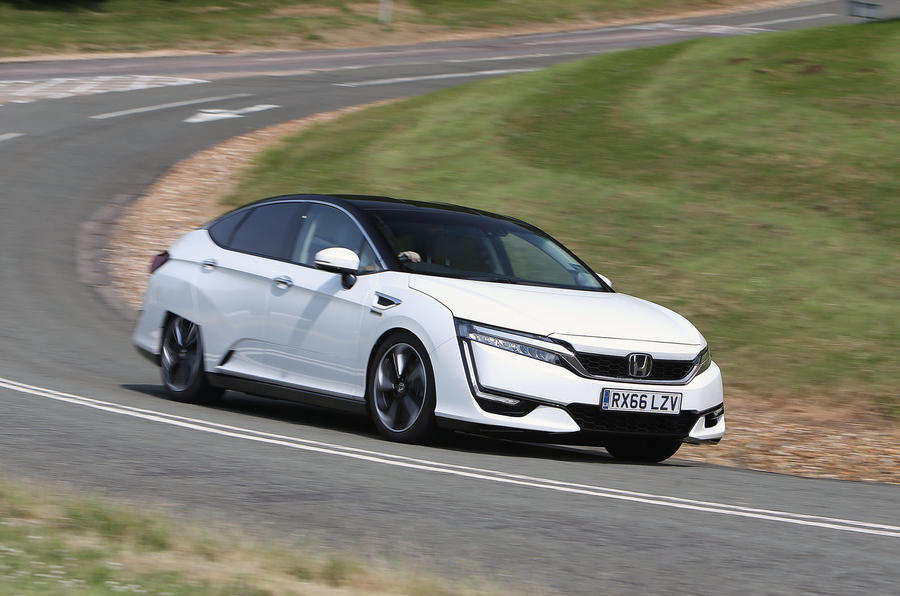 Honda Clarity FCV cornering