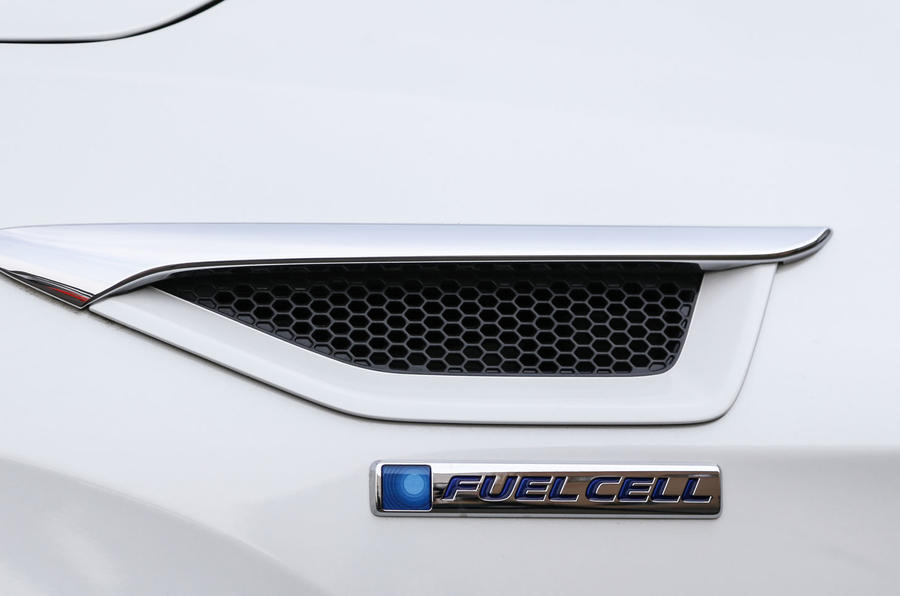 Honda Clarity FCV Fuel Cell badging