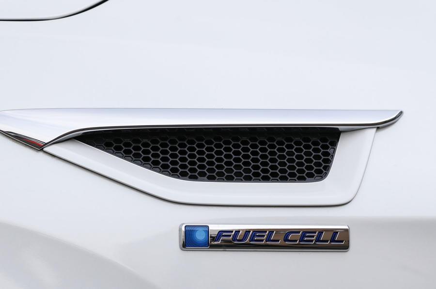 Honda Clarity FCV Fuel Cell badging